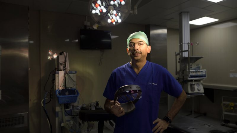 HoloLens project enables collaboration among surgeons worldwide